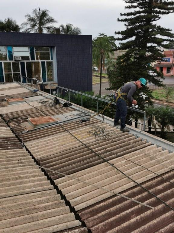 Demolição e Colocação da Platibanda