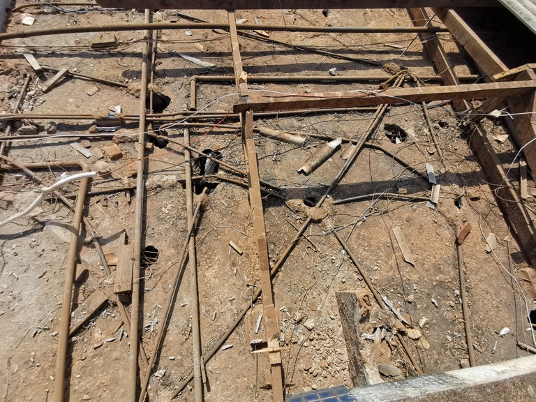 Demolição e Construção do Novo Telhado