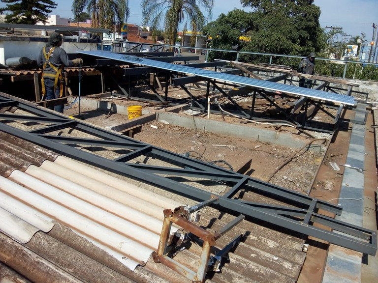 Demolição e Construção da 2ª Parte do Telhado