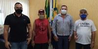 Integrantes do Grupo Unidos Por Américo visitam a Câmara de Vereadores